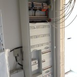 Der frisch eingebaute Schaltschrank