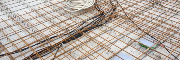 Viele Kabel für die EG-Decke